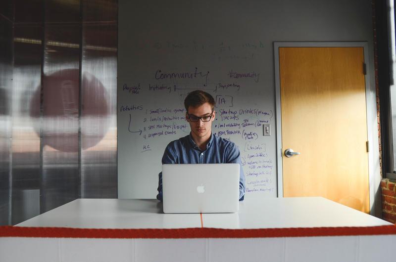 Ventajas de contratar a la generación millennial